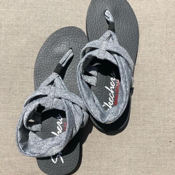b43fb2db8430 SKECHERS Meditation - Studio yoga foam sandal 9. M 5b0471c92c705d272ffc4ef2
